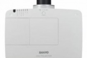 MÁY CHIẾU SANYO PLC-XM100